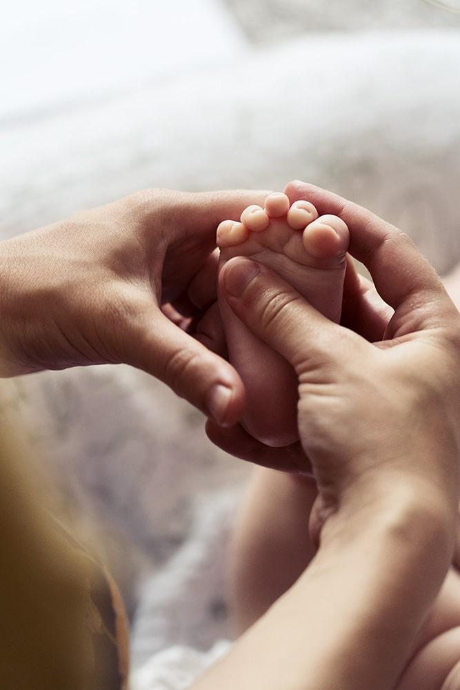 Massage bébé Nantes - Apaisement et bienfaits - Moments d'éveil