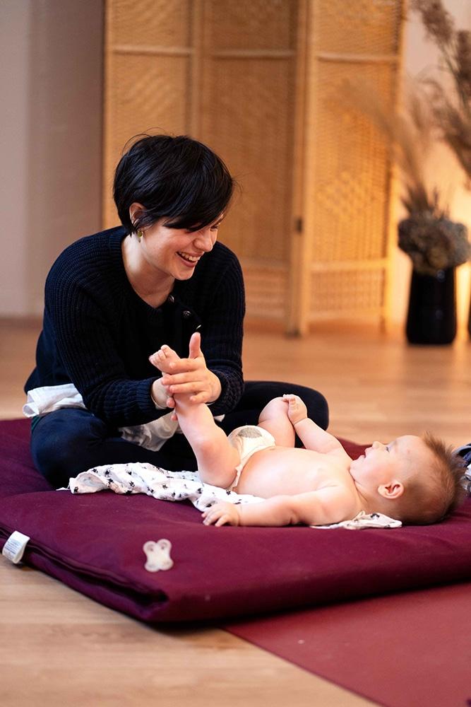 Bon cadeau naissance massage bébé Nantes